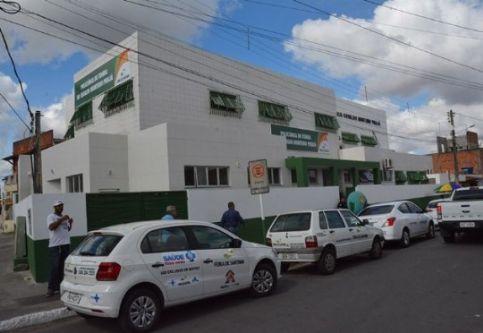 Policl%C3%ADnica%20do%20Tomba%2C%20campe%C3%A3%20de%20atendimentos - Policlínicas e UPAS de Feira de Santana registram aumento de 75% no número de atendimentos
