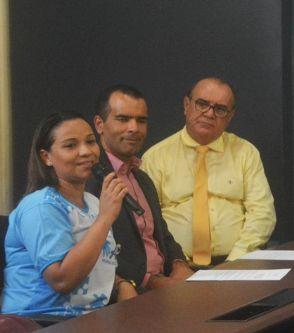 feira%20se%20torna    - Prefeito Colbert Martins sanciona lei que garante prioridade a autista em estabelecimentos públicos e privados